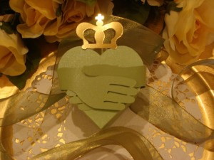 Irish Claddagh Heart Box